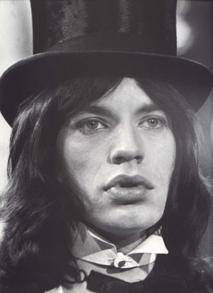http://kunstbegriff.files.wordpress.com/2014/02/3fd9e-sir-mick-jagger.jpg?w=439&h=606
