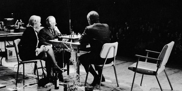 https://kunstbegriff.files.wordpress.com/2014/05/c99da-john-cage-marcel-duchamp-chess.jpg